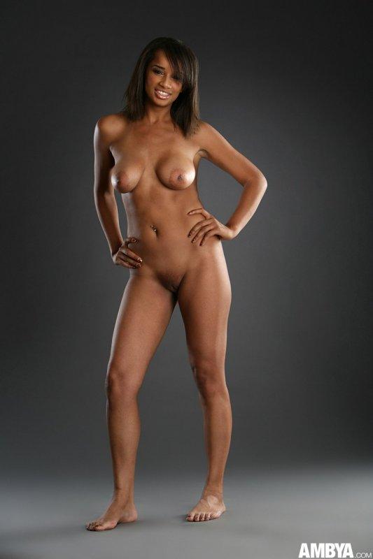 красивая негритянка с большими сиськами