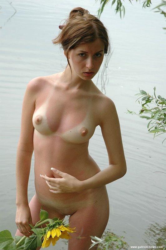 Фото голые со следами от купальника 38657 фотография