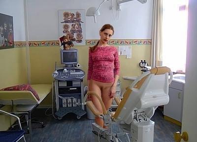 Девушка голая в больнице фото 96-76