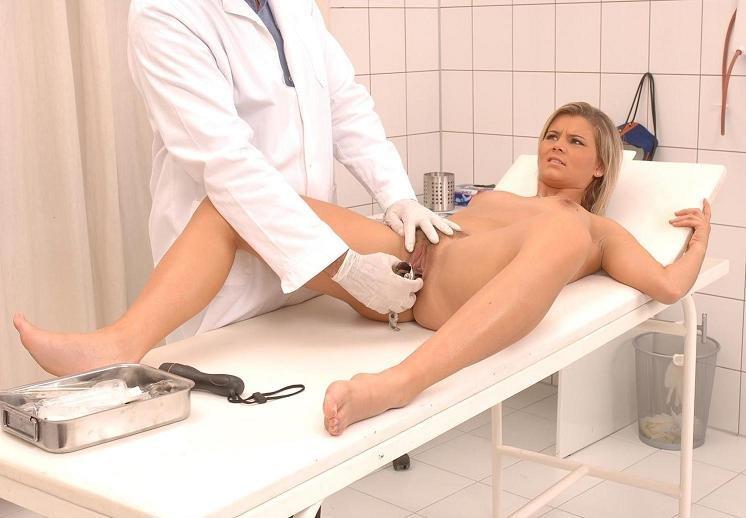 Голая женщина на приеме у врача видео фото 135-198