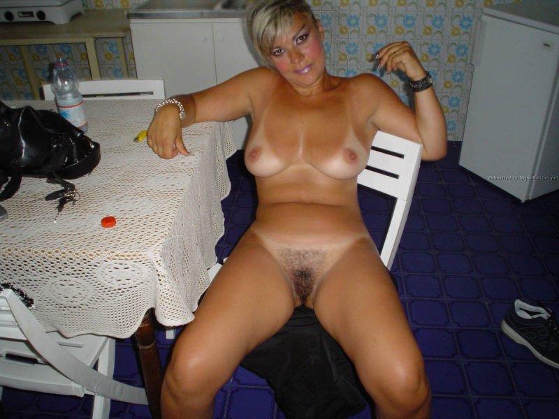 Девушки в нижнем белье в трусиках лифчиках и секс нарядах