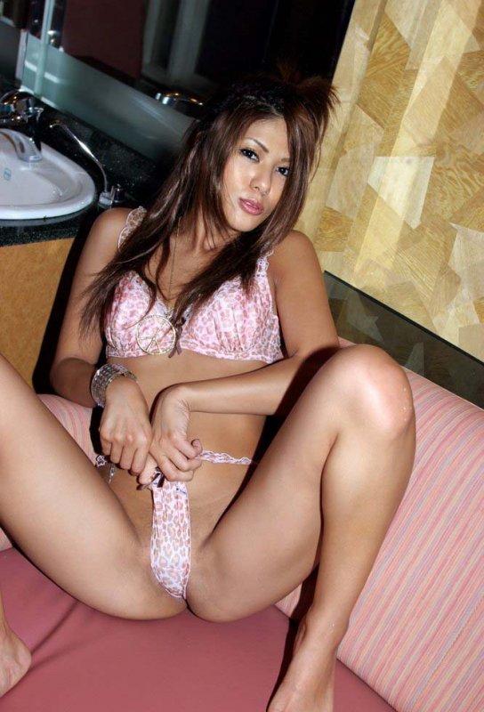 азиатки голые в мине видео