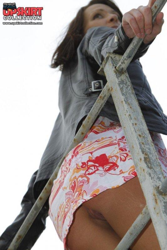 Секс порно фото под юбкой девушек и женщин