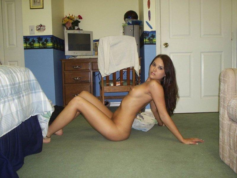 Hardcore lesbians huge dildos