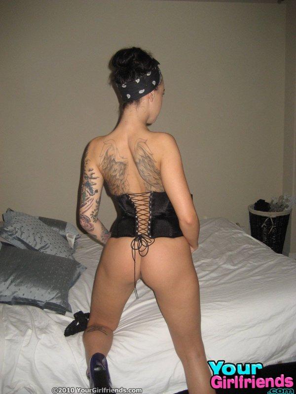 foto-vagini-porno-aktrisa-s-tatu-krilev-na-spine-seks-kitayski