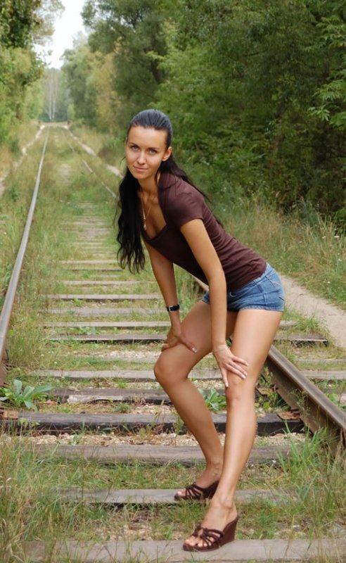 Молоденькие девушки в коротеньких шортах фото 741-961