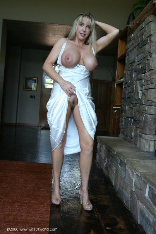 голые мамочки на кухне фото