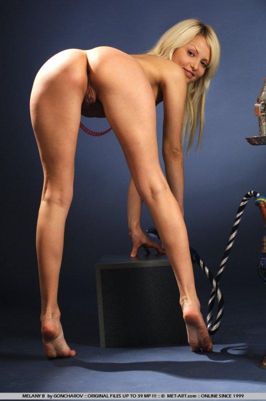 Сучки фото  голые красивые молодые сучки