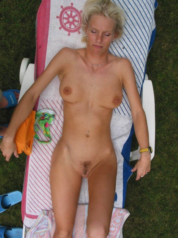 фото голых старых блондинок