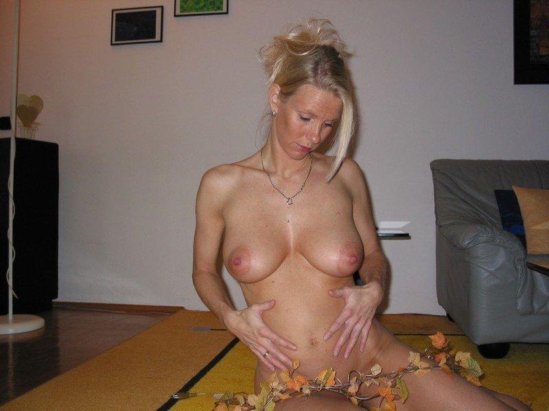 порно фото домашние блондинки 35 40 лет № 358420 загрузить