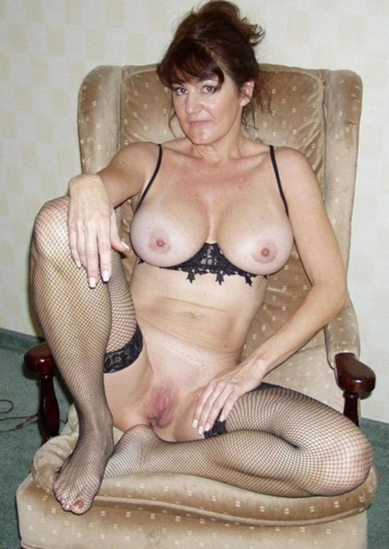 Сексуальные голые тетки мамки фото 2 фотография