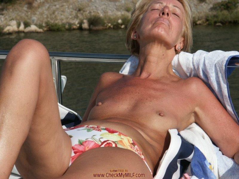 мобильная версия фото голые старухи