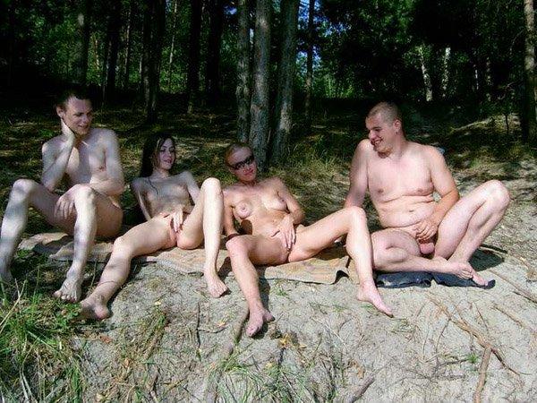 Русские нудисты трахаются на природе фото 586-581