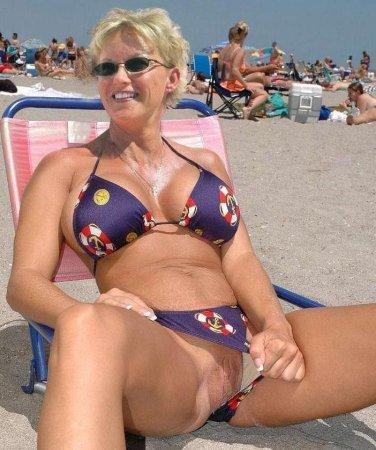 dami-v-bikini-porno