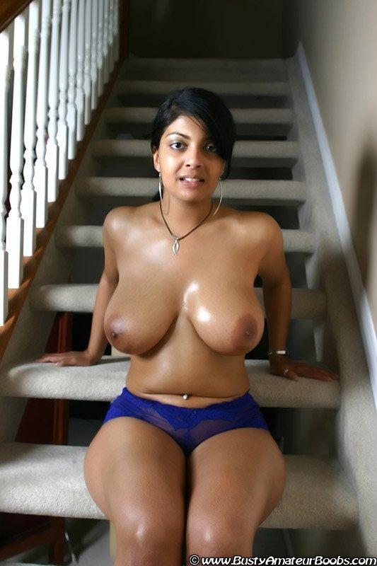 голые девушки индуски с большими сиськами