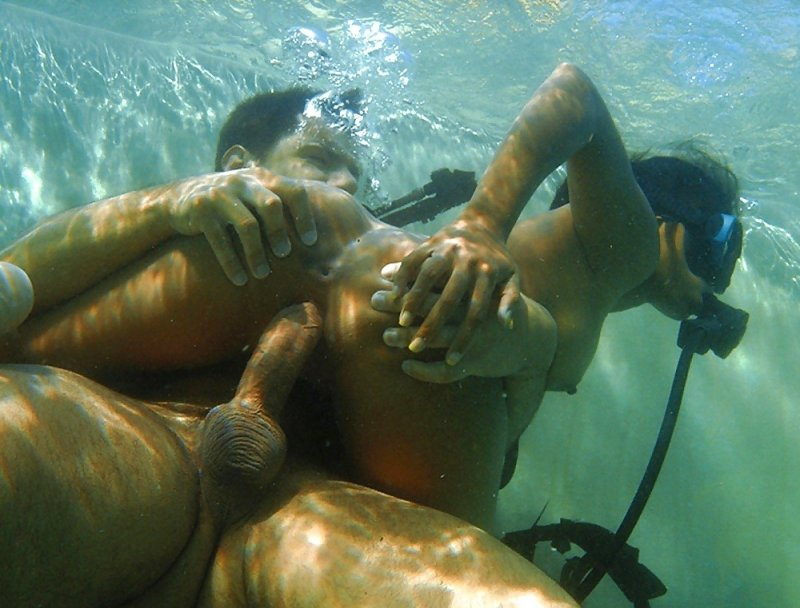 seks-pod-vodoy-dayving