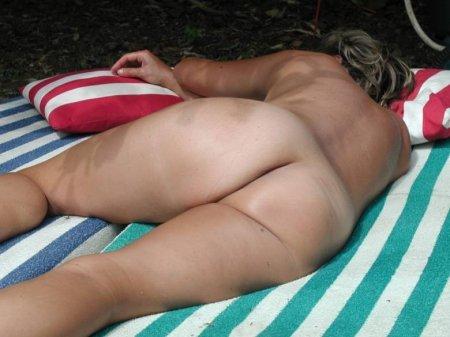русские женщины спят голыми свежие фото