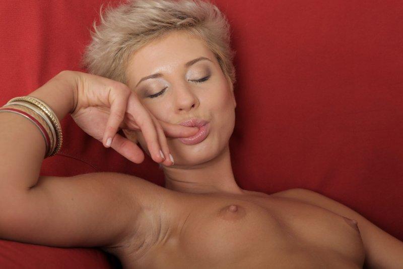 короткостриженные блондинки порно фото