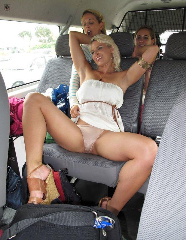 Засветы пизды в машине