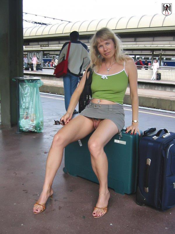 Жена без трусов в автобусе фото 786-597