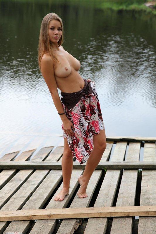 порно фото жопастых тело к в обтягивающих трусиках