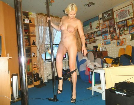 взрослая голая танцует фото