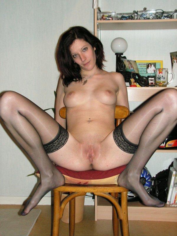 частное жена показывает свои прелести между ног 8