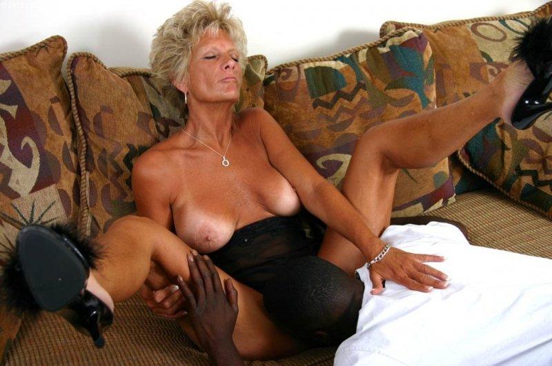 секс белой женщины с негром