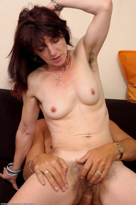 смотреть бесплатно порно волосатые мамы