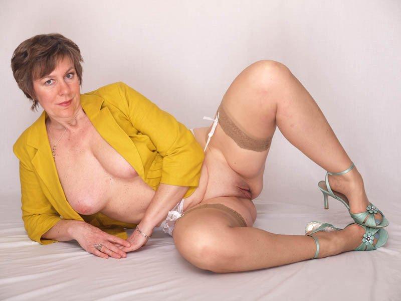 порно фото киски зрелых женщин № 293576 бесплатно