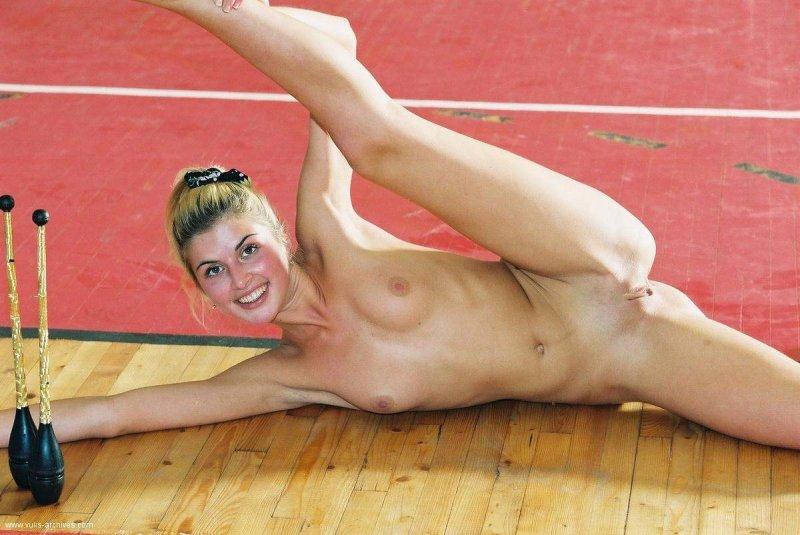 Спортсменки голенькие юные