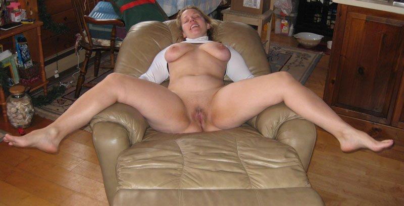 Фото голых женщин с ращдвинутыми ногами фото 773-421