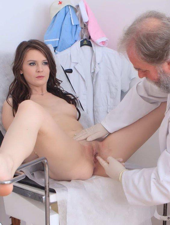 подглядывание в гинекологическом кабинете порно