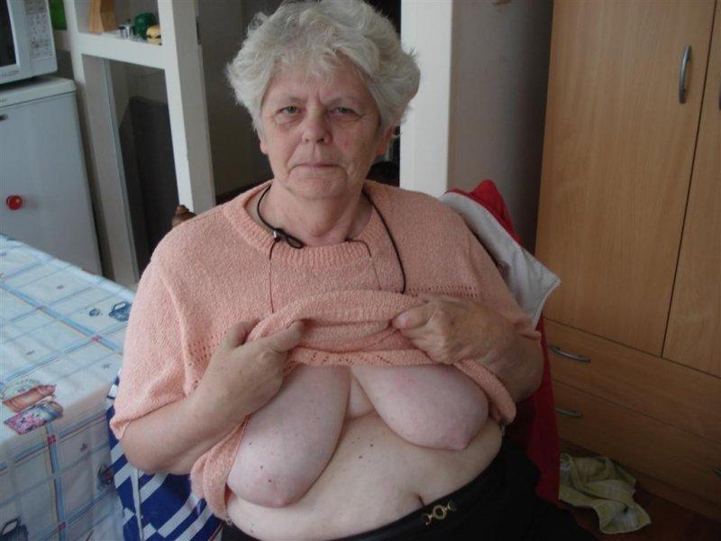 эро фото сиськи пенсионерок фото первом уровне, успешность