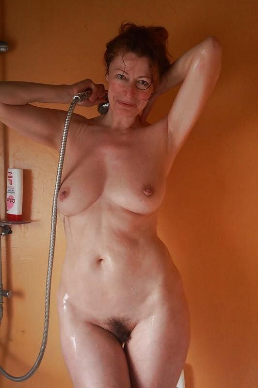 Фото зрелых голых знаменитостей