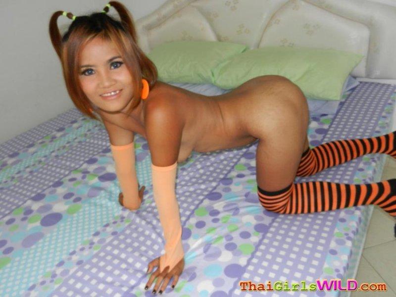 Тайская малышка сосет фото 746-242