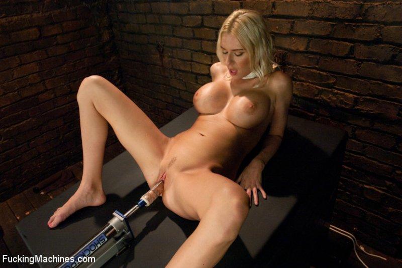 Блондинка и секс машина фото 739-495
