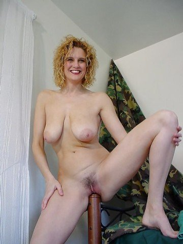 Девушка мастурбирую предметами фото 655-765