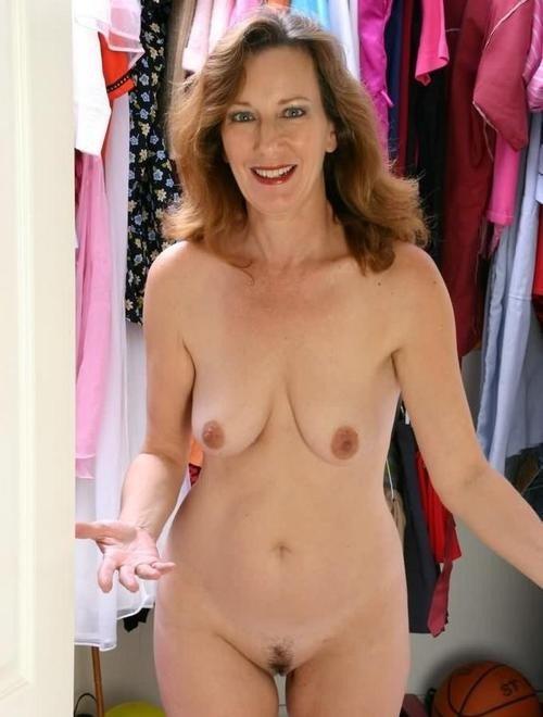 Обнаженные большие сиськи Sheila Grant  порно онлайн