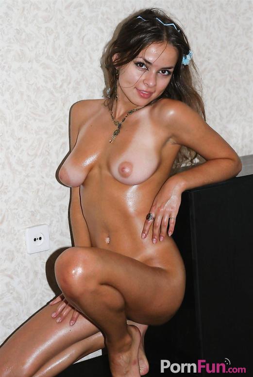 Загорелая голая телка фото 646-605