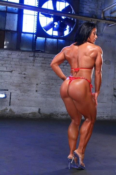 смотреть порно с мускулистыми женщинами