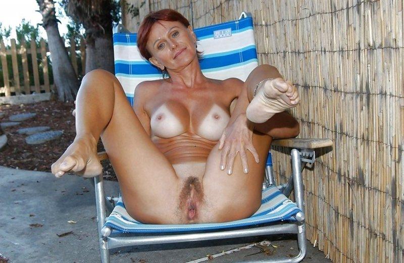 goli-devushka-starih-krasivie-eroticheskie-fotogalerei