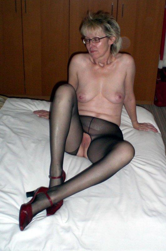 частное фото жен в чулках