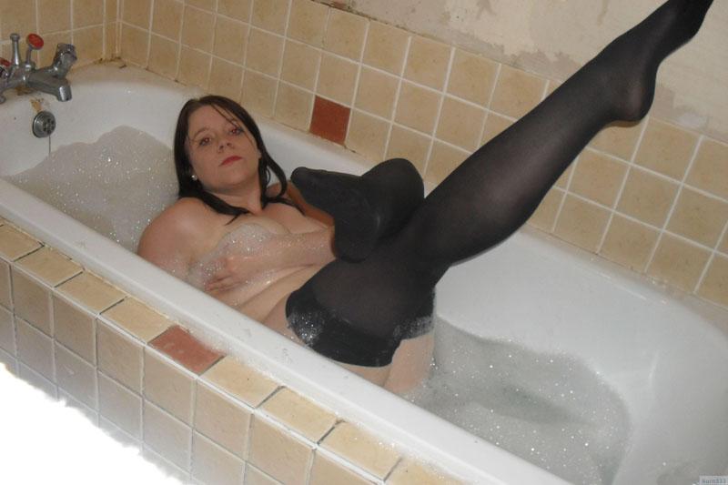 Толстенькая девочка мастурбирует 20 фотография