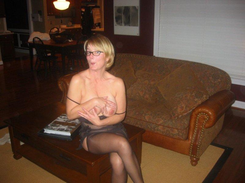 порно с брюнетками в очках