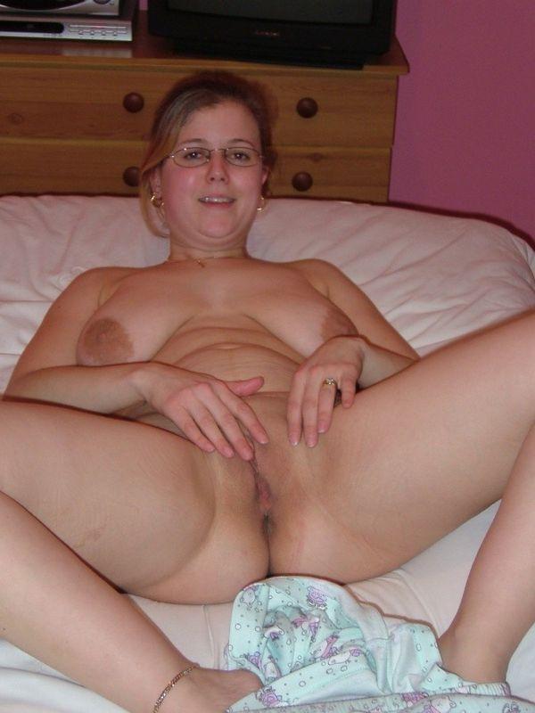 Порно сисястой в очках фото 806-971