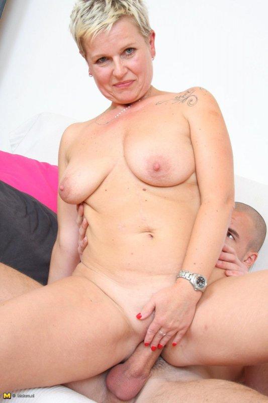 короткое порно с зрелыми женщинами