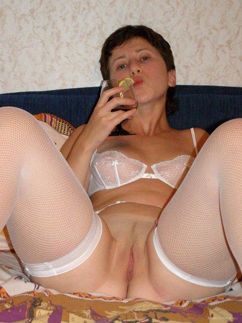 Голые в пеньюаре девушки - фото обнаженных