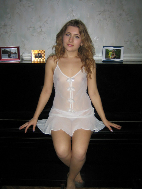 chastnye-foto-devushek-ne-erotika-11