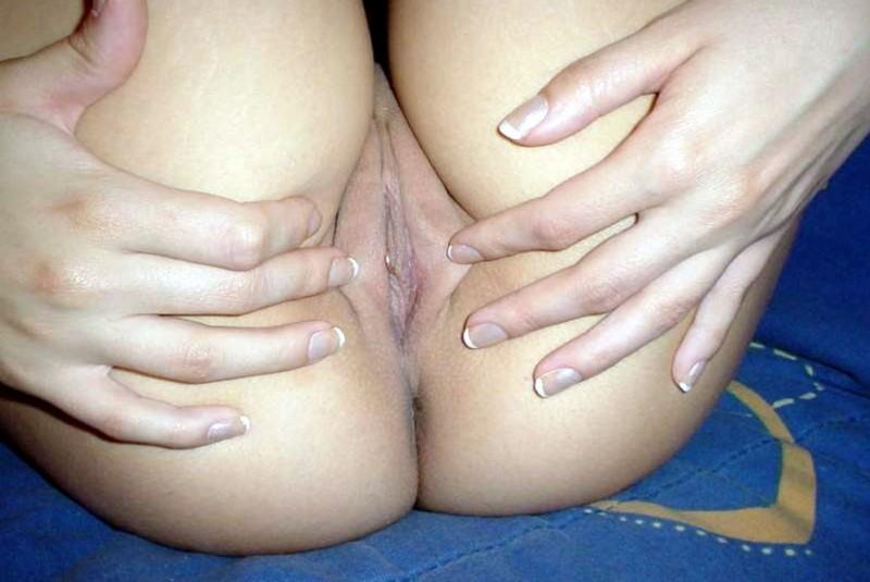 куча голых девок у бассейна фото